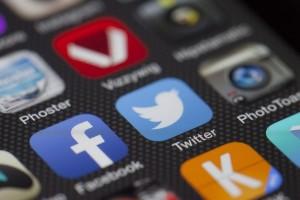 Applications where the Social Media Unit operates. Photo By: LoboStudioHamburg